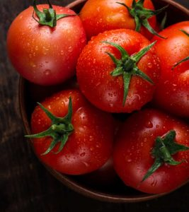 Benefits of Tomato Face Pack in Hindi