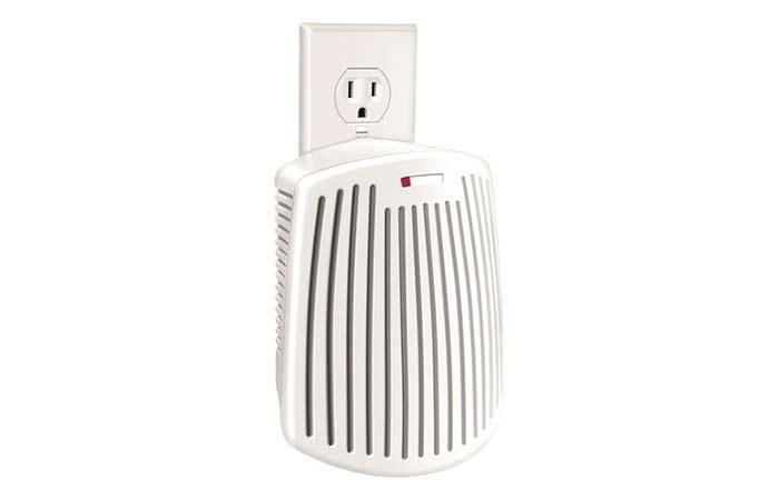 Best Direct Plug-In Air Purifier – Hamilton Beach TrueAir Plug-Mount Odor Eliminator
