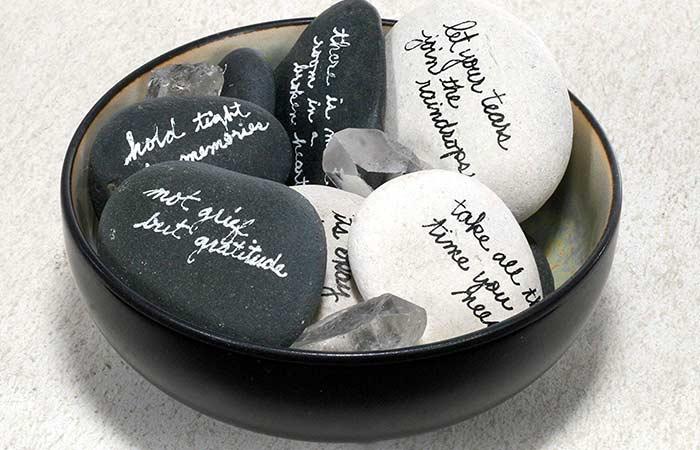 Comfortable pebble bowl