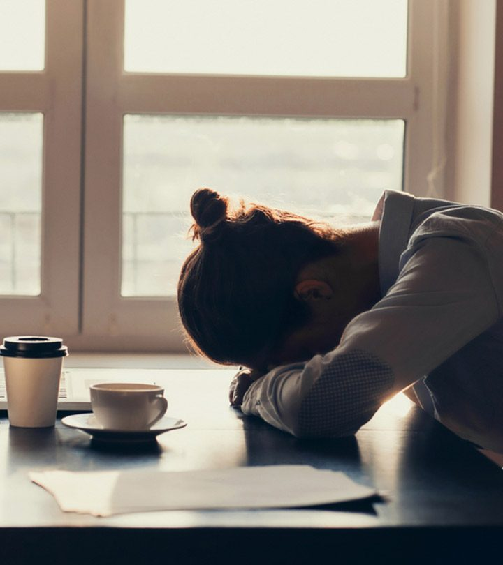 Fatigue Causes, Symptoms and Treatment in Hindi