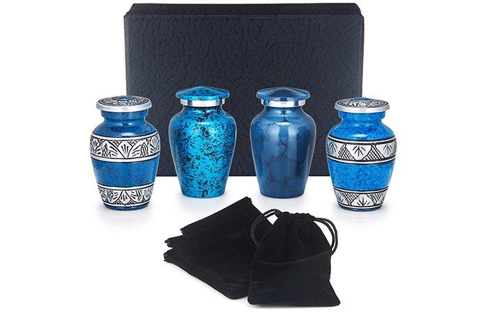 Mini cremation urns