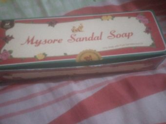 Mysore Sandal Soap pic 1-Everyday bath soap-By samiya_saduf