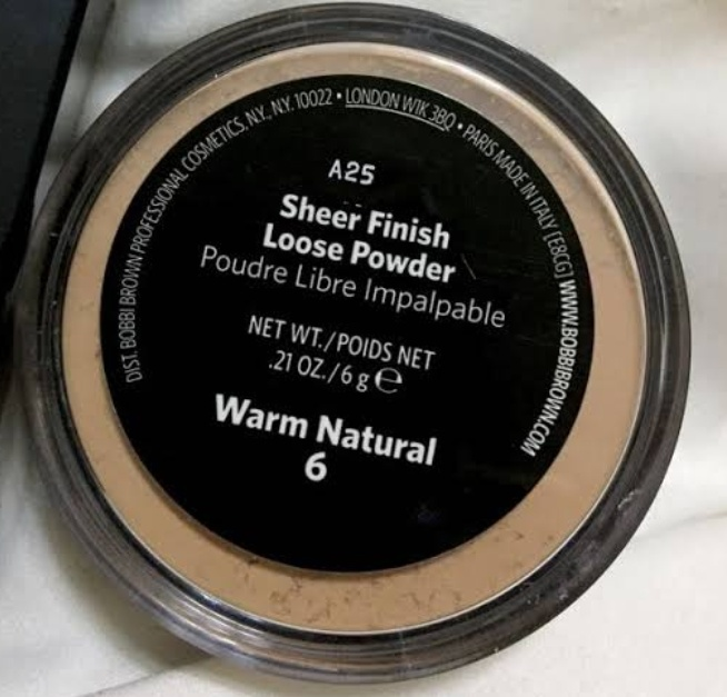 Bobbi Brown Sheer Finish Loose Powder pic 2-Good for oily skin-By shalu_surya1