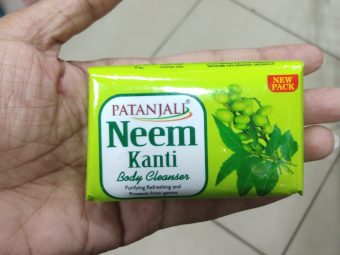 Patanjali Neem Kanti Body Cleanser Soap pic 1-Good soap with antibacterial property-By Nasreen