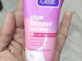 Clean And Clear Fairness Face Wash pic 1-Just a face wash and nothing special-By Nasreen