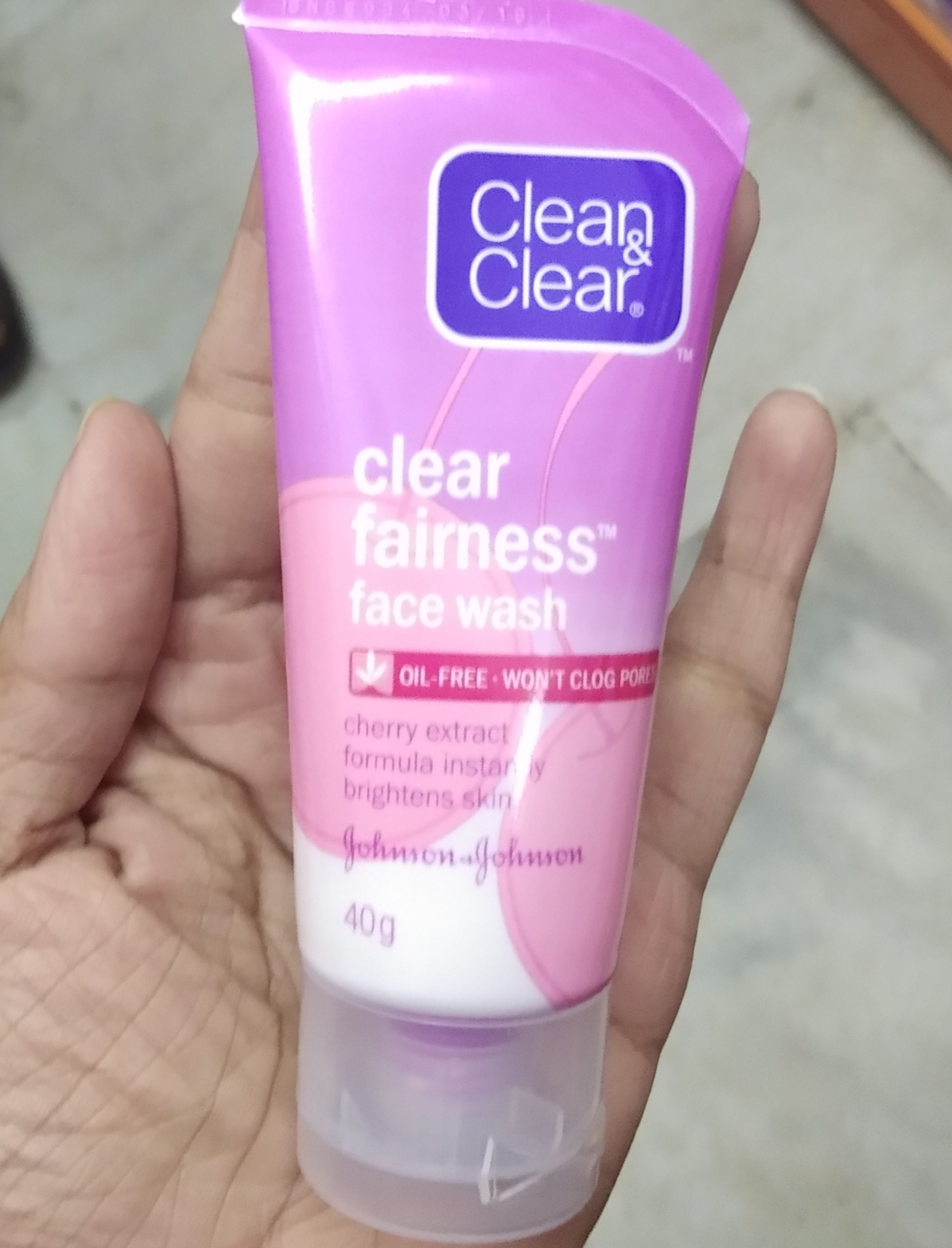 Clean And Clear Fairness Face Wash-Just a face wash and nothing special-By Nasreen-1