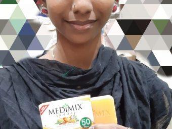 Medimix Ayurvedic Sandal Soap pic 1-Cleanses effectively-By saraswathig
