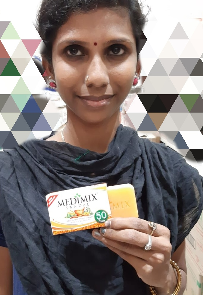 Medimix Ayurvedic Sandal Soap pic 1-Cleanses effectively-By saraswathig