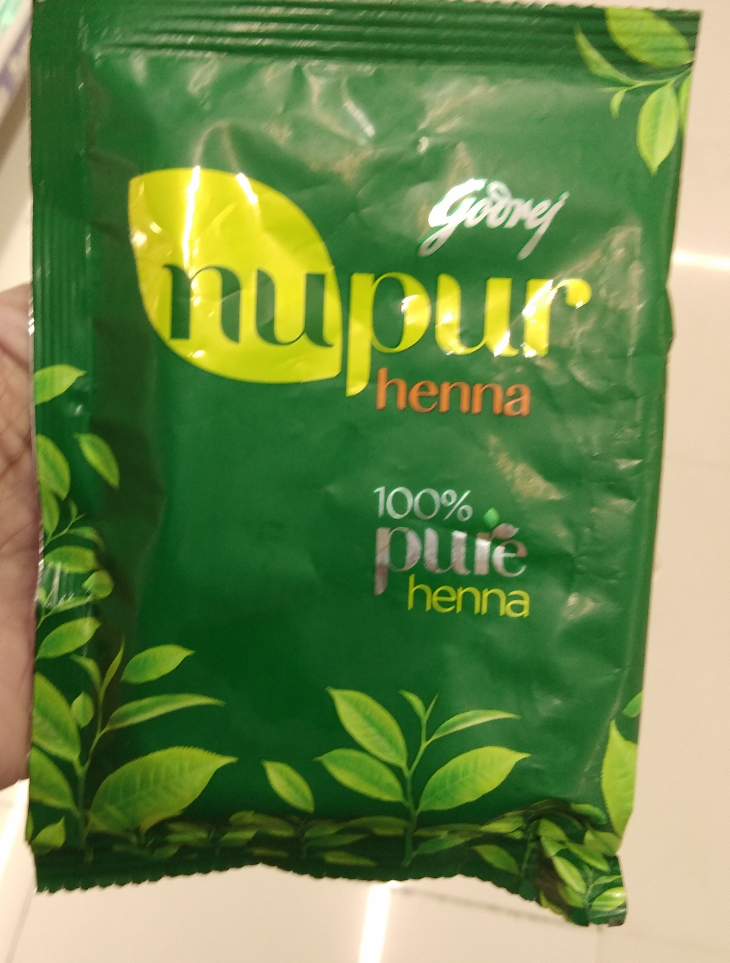 Godrej Nupur Henna Color-Gives color and prevents dandruff to an extent-By Nasreen-2