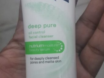 Dove Deep Pure Face Wash pic 2-Works good-By Nasreen