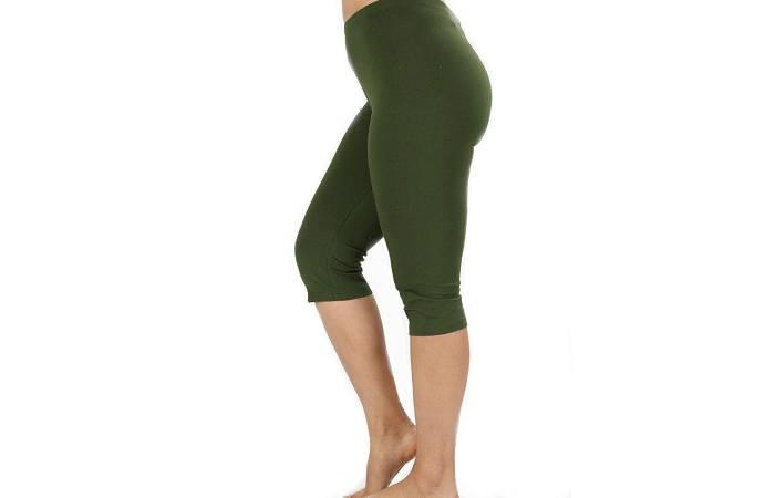 12. Zenana Premium Plus Size Capri Leggings