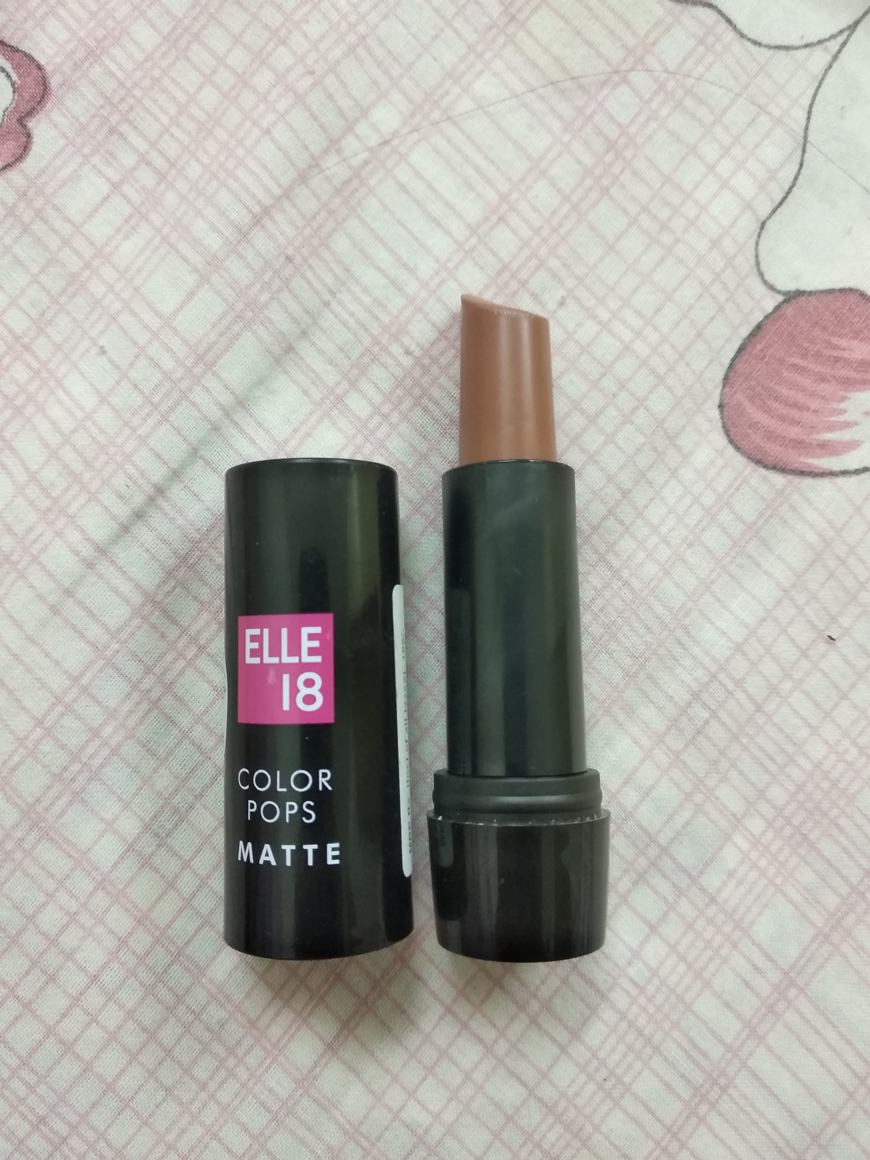 Elle 18 Color Burst Lipstick pic 2-Good product-By nayaab_petiwala