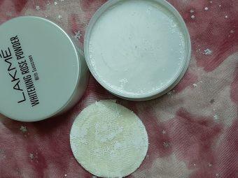 Lakme Whitening Rose Powder With Sunscreen pic 3-Best translucent powder-By samira_haider