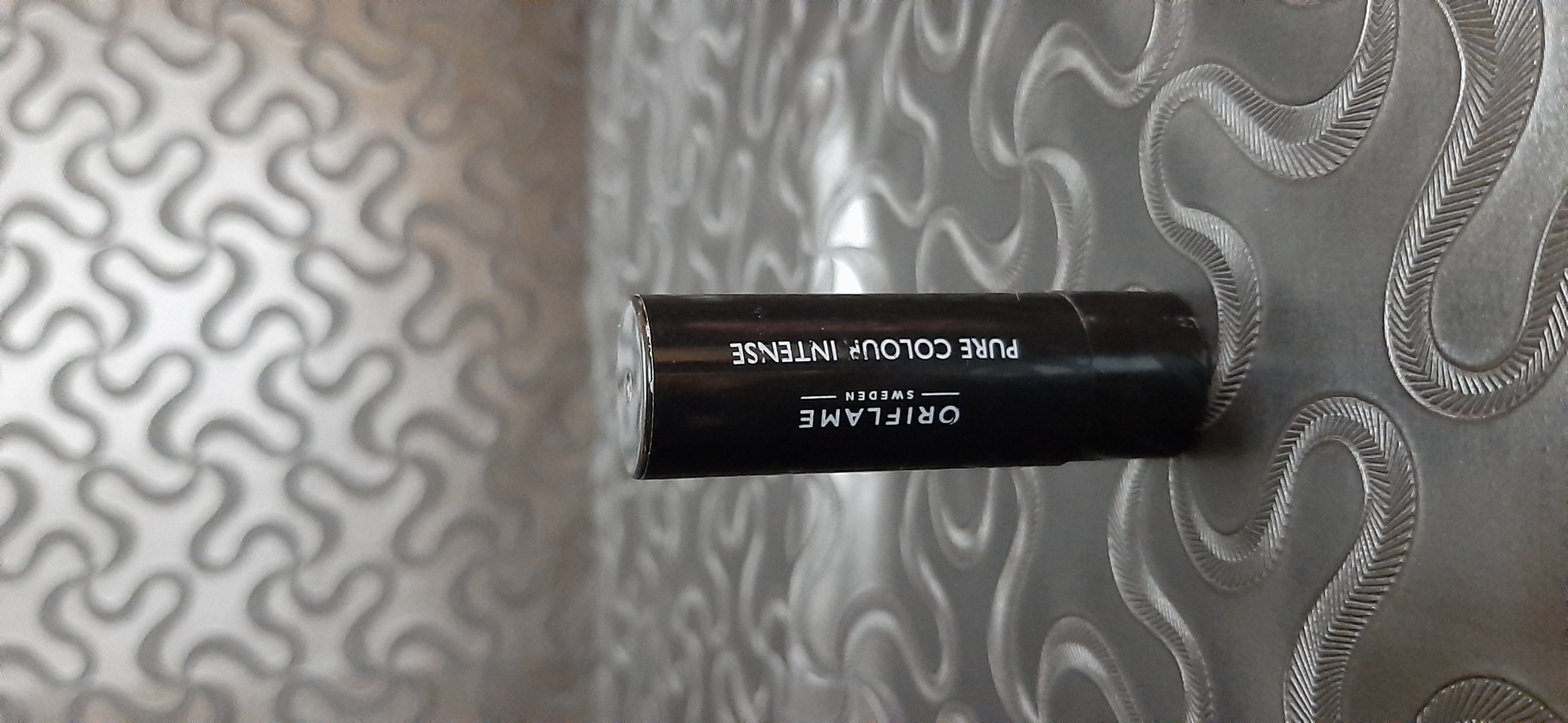 Oriflame Pure Colour Intense Lipstick-Average lipstick-By samira_haider-1