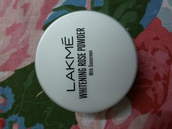 Lakme Whitening Rose Powder With Sunscreen pic 1-Best for daily use-By sobia_saman1