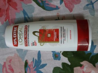 L'Oreal Paris Total Repair 5 Conditioner pic 1-Makes hair greasy after few days-By sobia_saman1