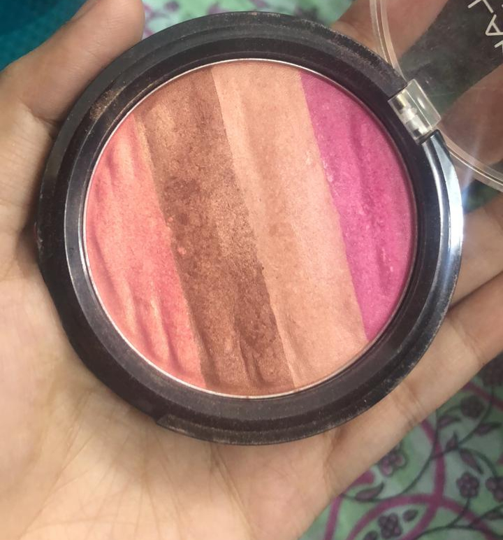 Lakme Absolute Illuminating Blush Shimmer Brick pic 2-Best blush-By sobia_saman1