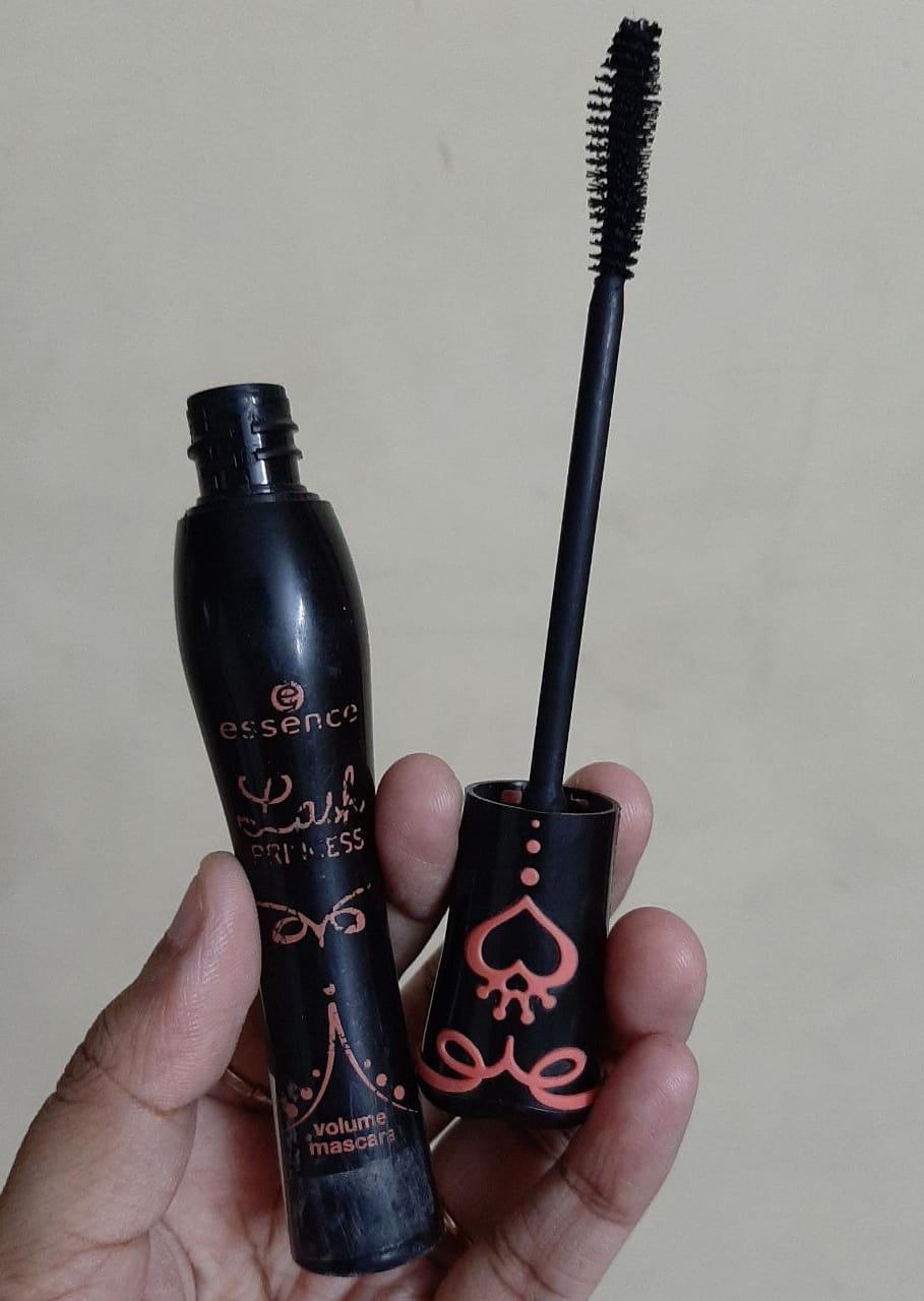 Essence Lash Princess Volume Mascara pic 2-Amazing mascara-By sobia_saman1