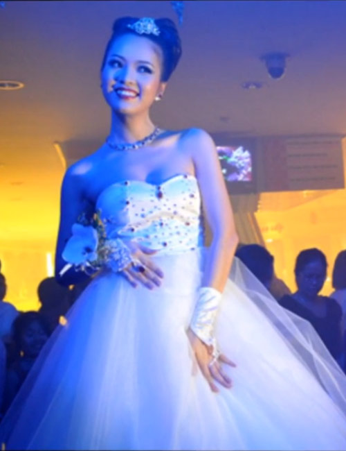 Bach Ngoc Xiem Y' Wedding Dress – $117,000