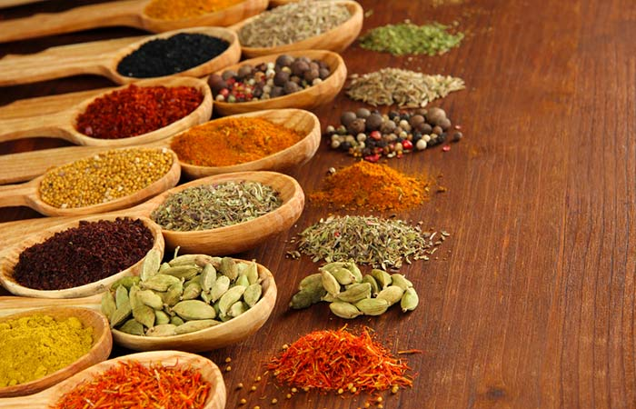 Как да направите Garam Masala на хинди