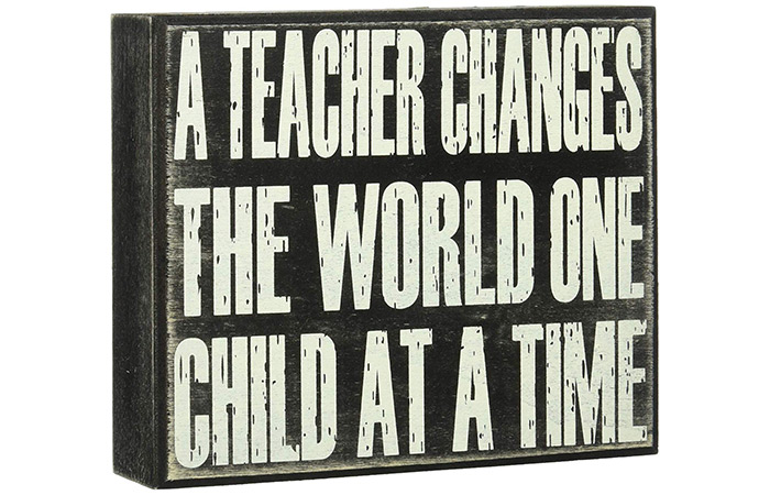 "JennyGems ""A Teacher Changes The World One Child At A Time"" Book Plaque"
