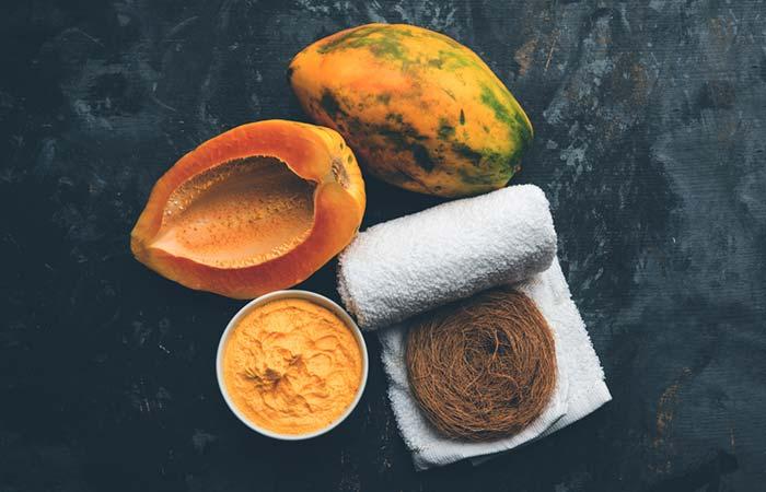 Papaya scrub for dead skin