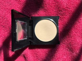 Maybelline Fit Me Matte And Poreless Powder pic 1-In love with it-By sobia_saman1