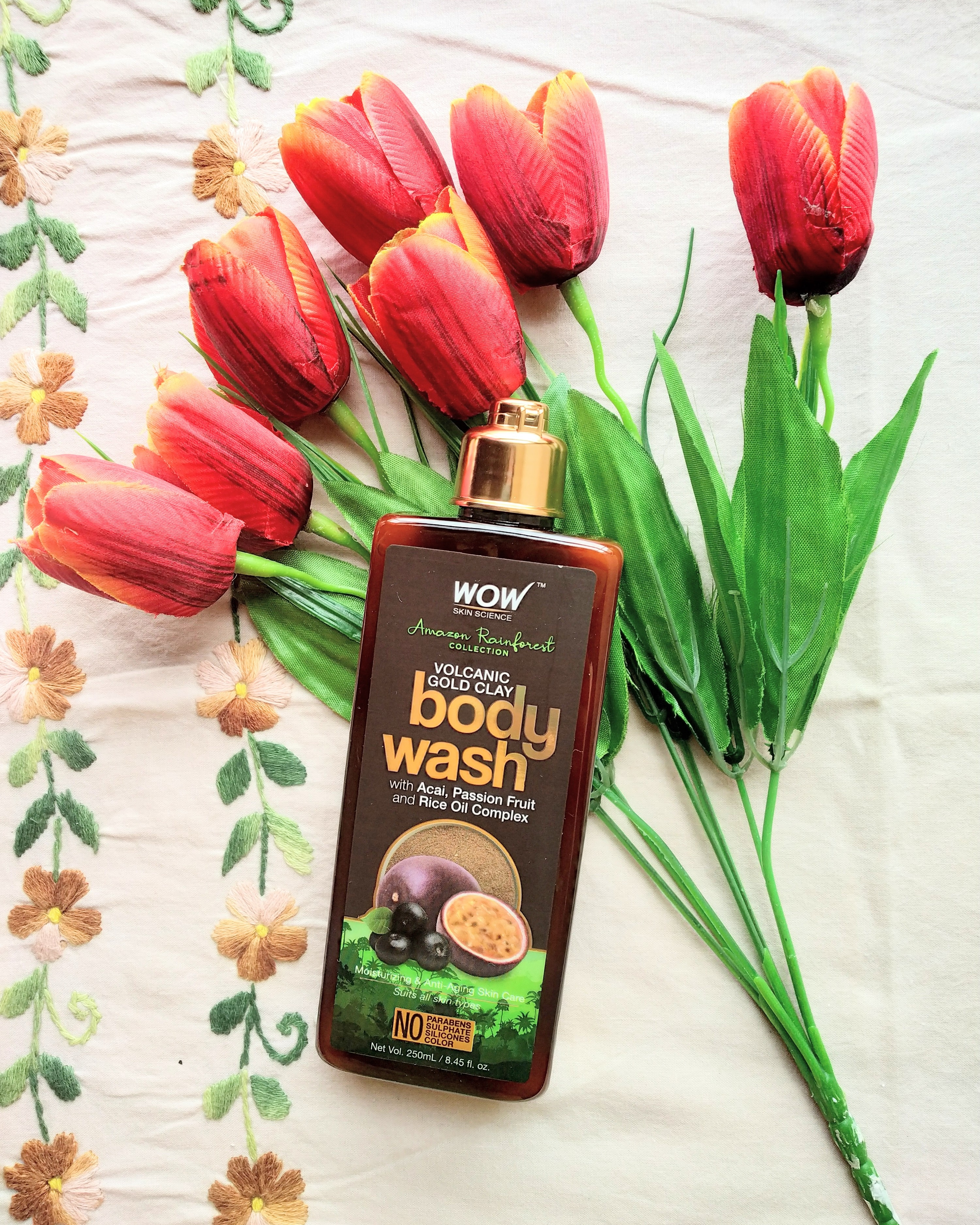 WOW Skin Science Amazon Rainforest Volcanic Gold Clay Body Wash-In love with this moisture boosting foaming body wash-By payal_garg