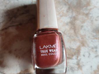 Lakme True Wear Nail Color -A decent nail color!-By latha_selvaraj
