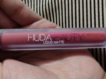 Huda Beauty Liquid Matte Lipstick pic 2-very smooth and great pigment-By paridhi5