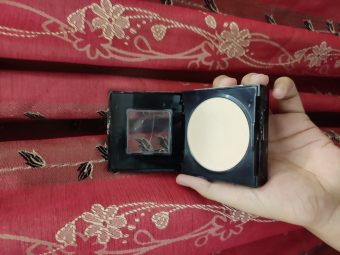 Maybelline Fit Me Matte And Poreless Powder pic 2-Best in the price-By tania_khan