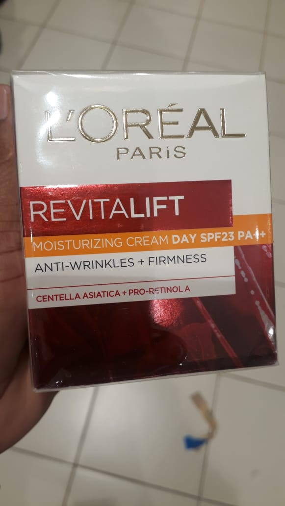 L'Oreal Paris Revitalift Anti-Wrinkle + Firming Day Cream-Best anti ageing cream-By manju_-2