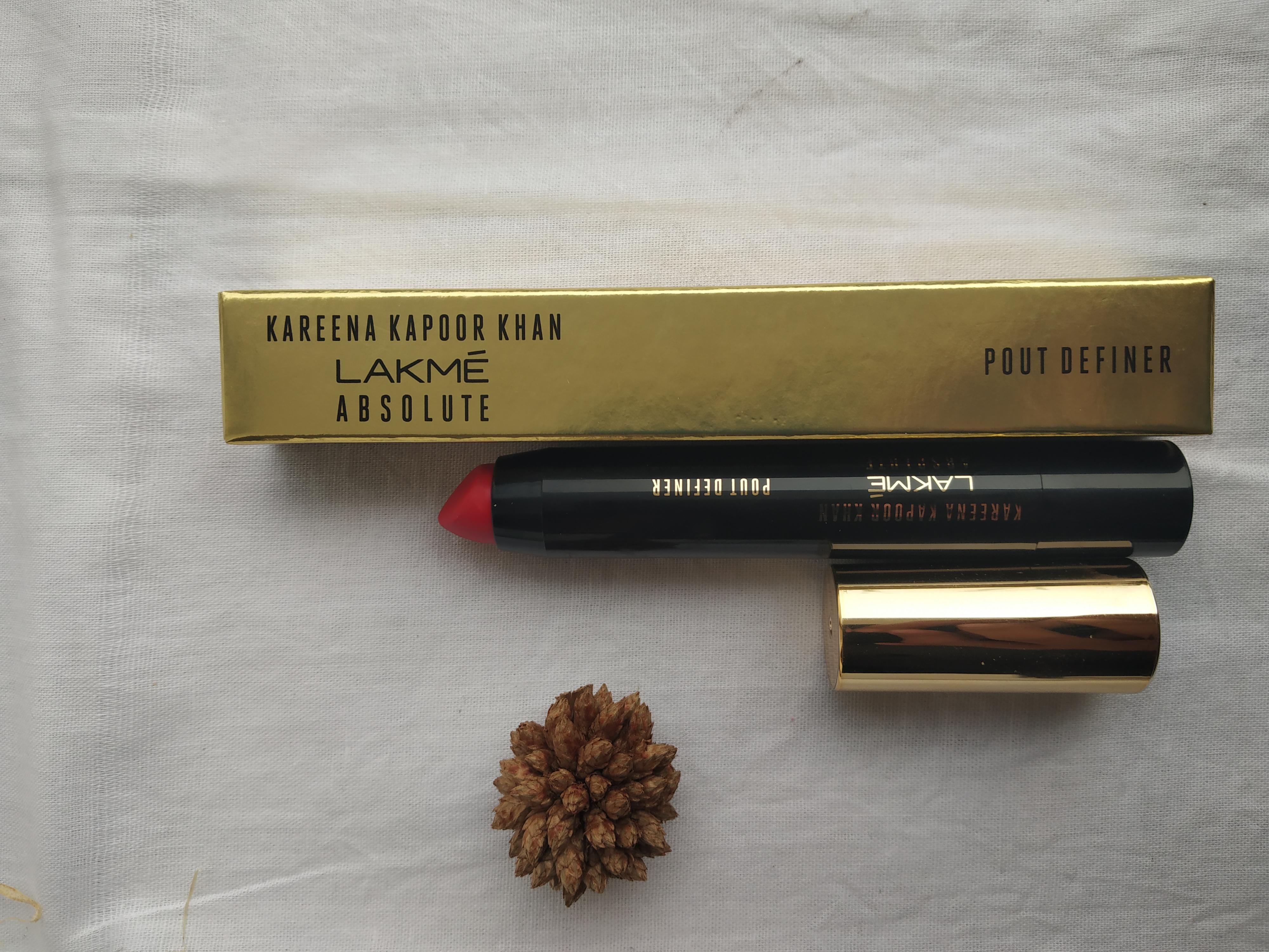 Lakme Kareena Kapoor Khan Absolute Pout Definer-Lipstick-By ritu_rajput