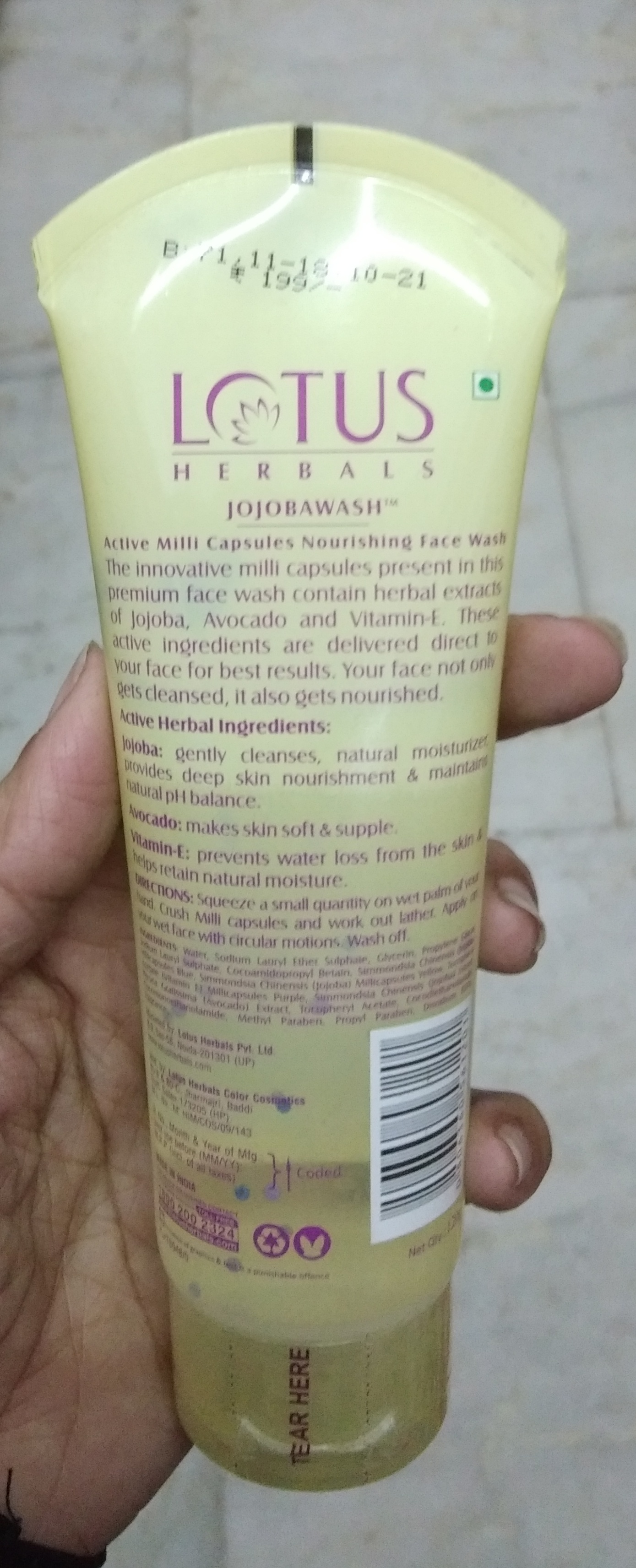 Lotus Herbals Jojoba Wash Active Milli Capsules Nourishing Face Wash-Expensive but good-By Nasreen-2