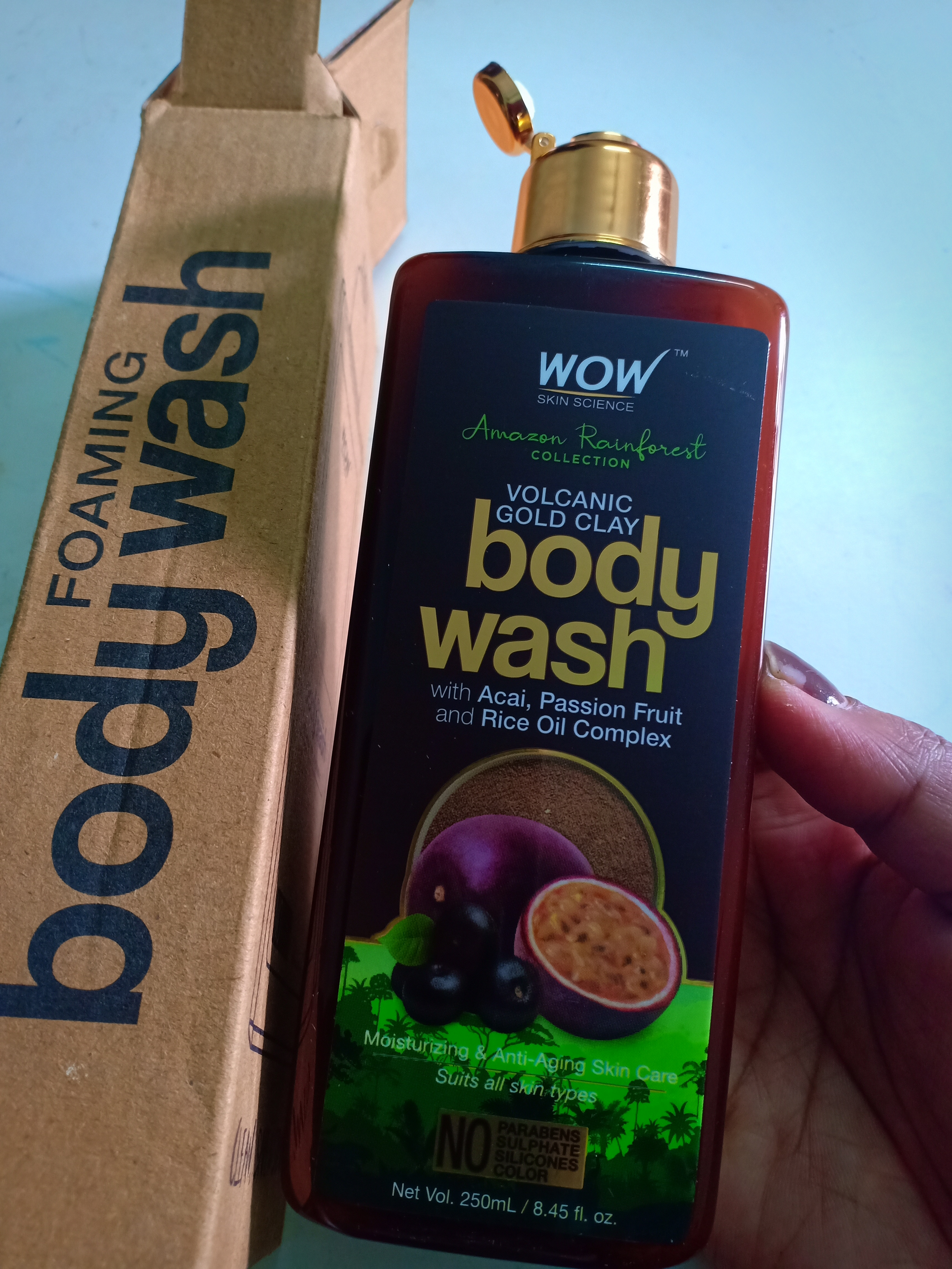 WOW Skin Science Amazon Rainforest Volcanic Gold Clay Body Wash-wow body wash review-By simplify_your_life