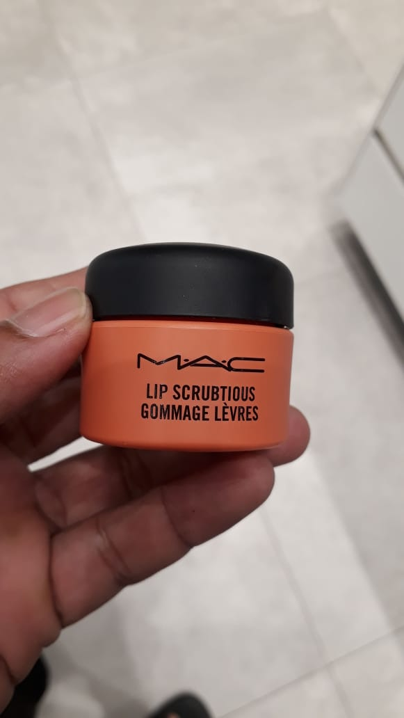 MAC Lip Scrubtious-Great srcub-By manju_-2