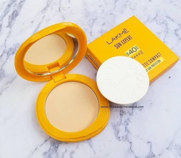 Lakme Sun Expert Ultra Matte SPF 40 PA+++ Compact-Affordable and best compact-By h355