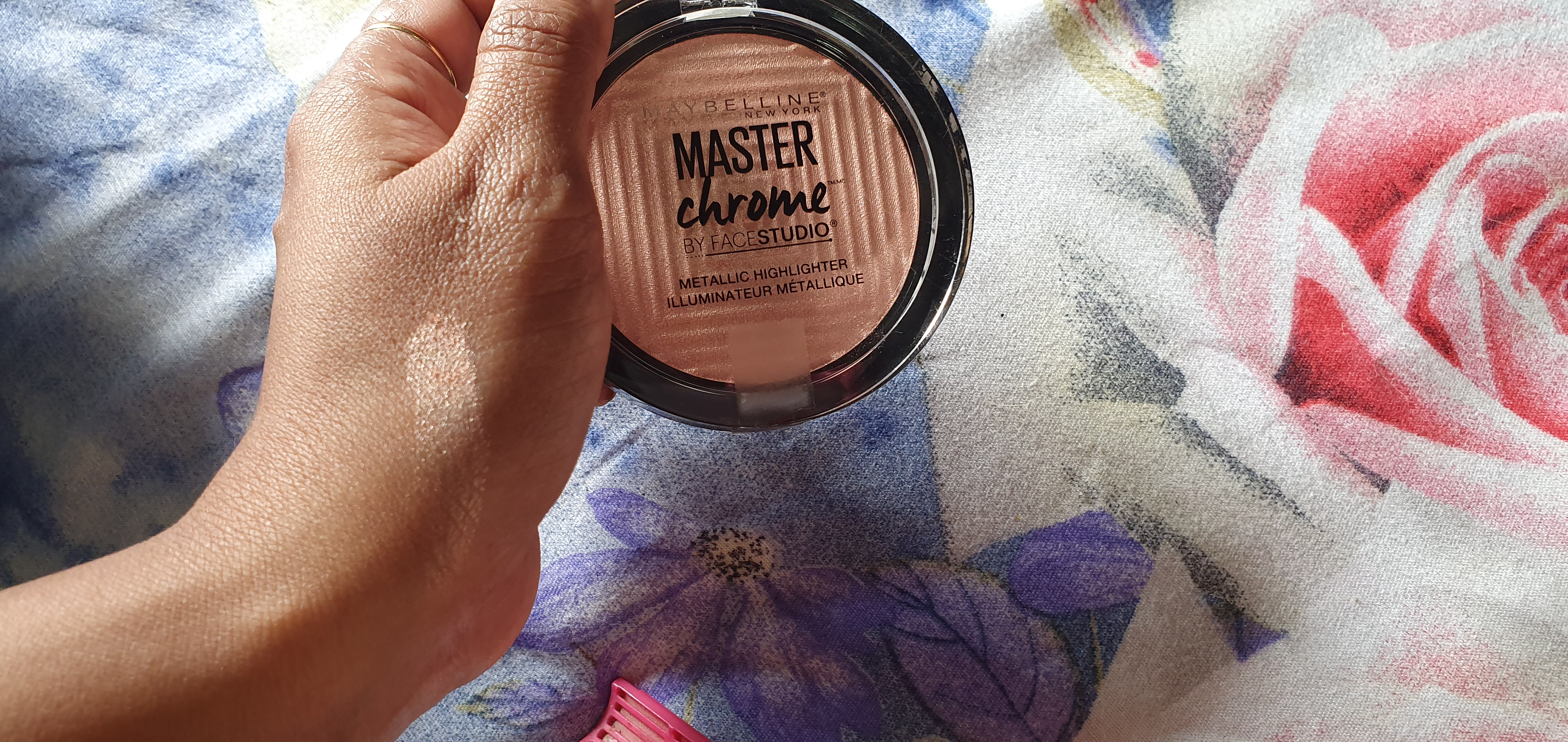 Maybelline Facestudio Master Chrome Metallic Highlighter-Best Highliter-By pamsstation