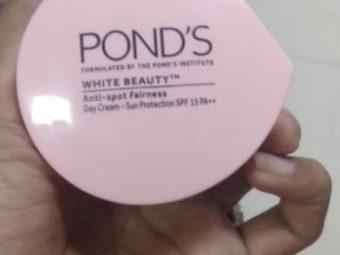 Pond's White Beauty Anti Spot Fairness Cream SPF 15 pic 1-Contains SPF-By saraswathig