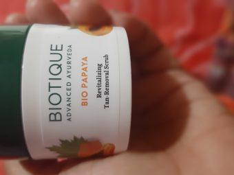 Biotique Bio Papaya Revitalizing Tan Removal Scrub -Good product-By prachi08