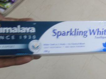 Himalaya Herbals Sparkling White Toothpaste pic 1-Strengthens gums-By saraswathig