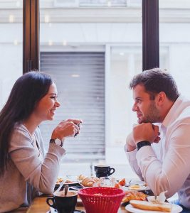 21 Things to Talk About On A First Date