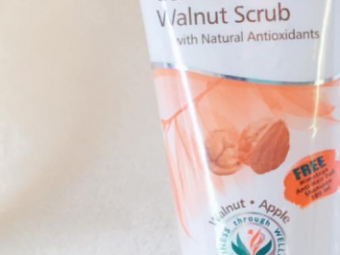 Himalaya Herbals Gentle Exfoliating Walnut Scrub -Great for exfoliating-By ariba
