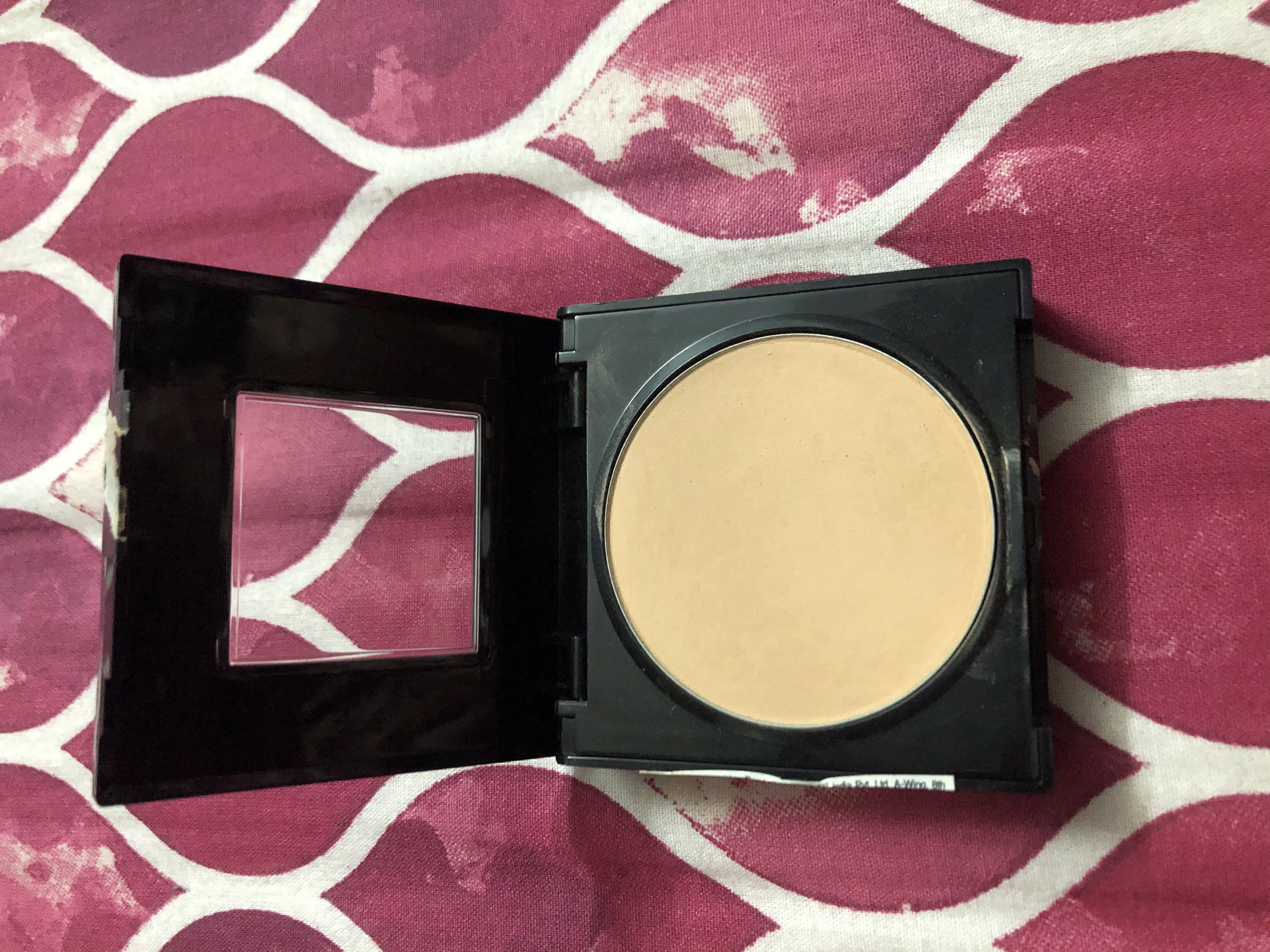 Maybelline Fit Me Matte And Poreless Powder-Best compressed compact from maybelline fit me range..-By divyakiran-2