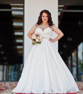 10 Best Plus-Size Wedding Dresses For The Upcoming Wedding Season