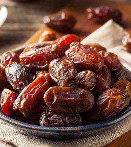 Dry Dates Benefits, Uses and Side Effects in Hindi