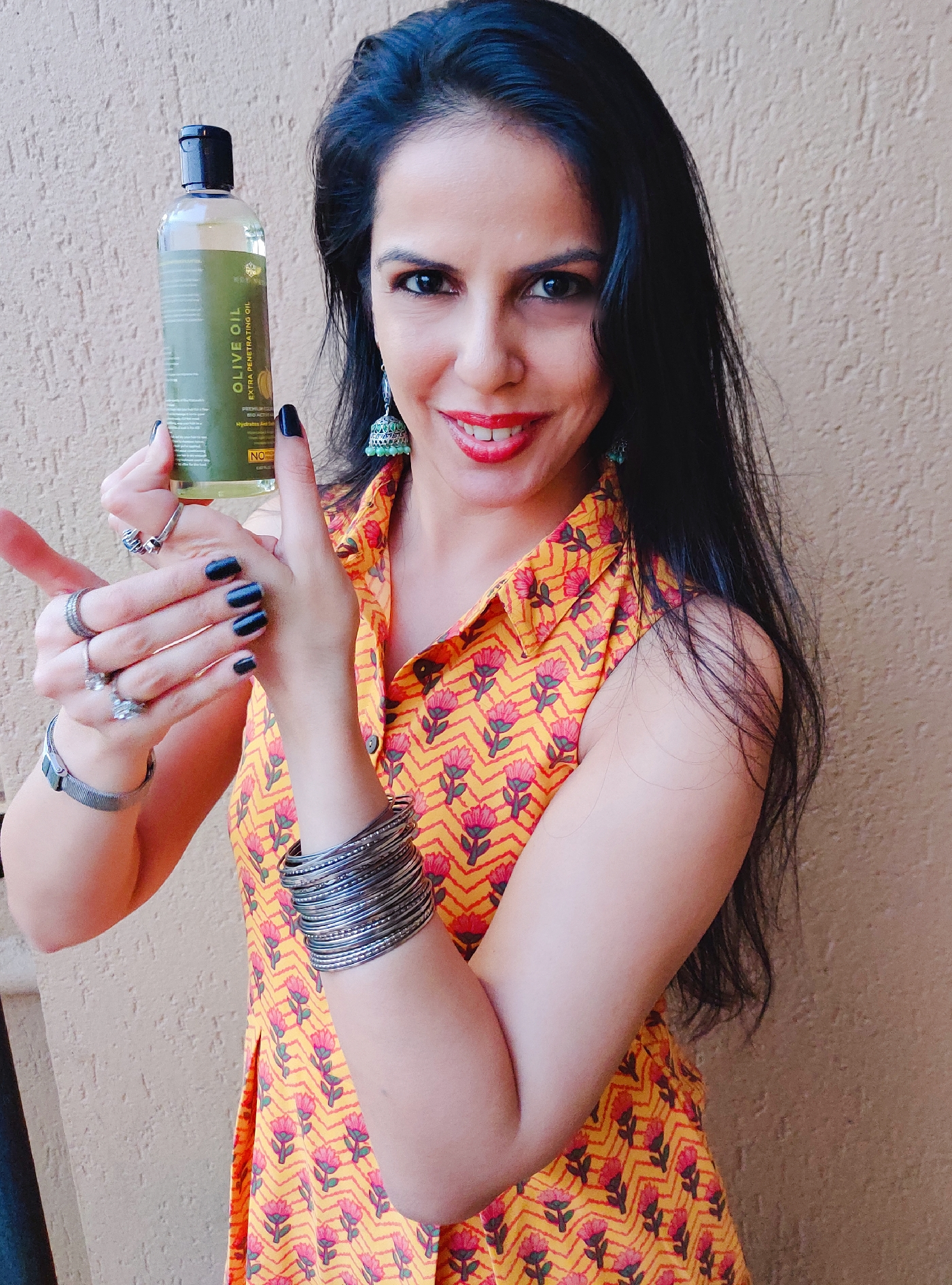 Rey Naturals Pure Cold Pressed Therapeutic Grade Olive Oil For Hair And Skin-A great carrier oil both for hair, skin and nails-By taniasuri-2
