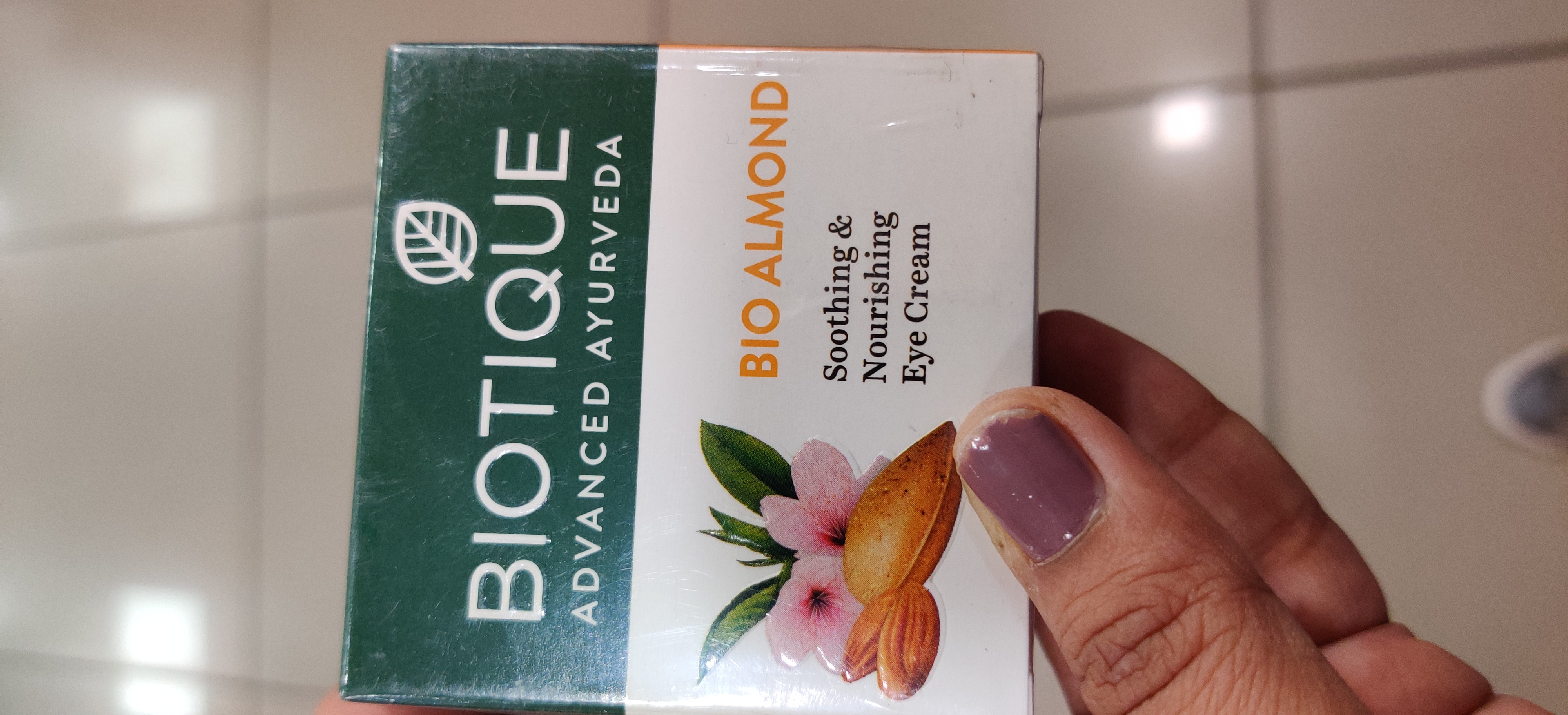 Biotique Bio Almond Soothing And Nourishing Eye Cream-Soothing Eye Cream!!-By qwerty12345