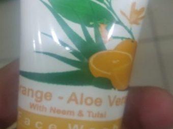 Patanjali Orange Aloe Vera Face Wash pic 1-Orange aloe face wash-By sanober