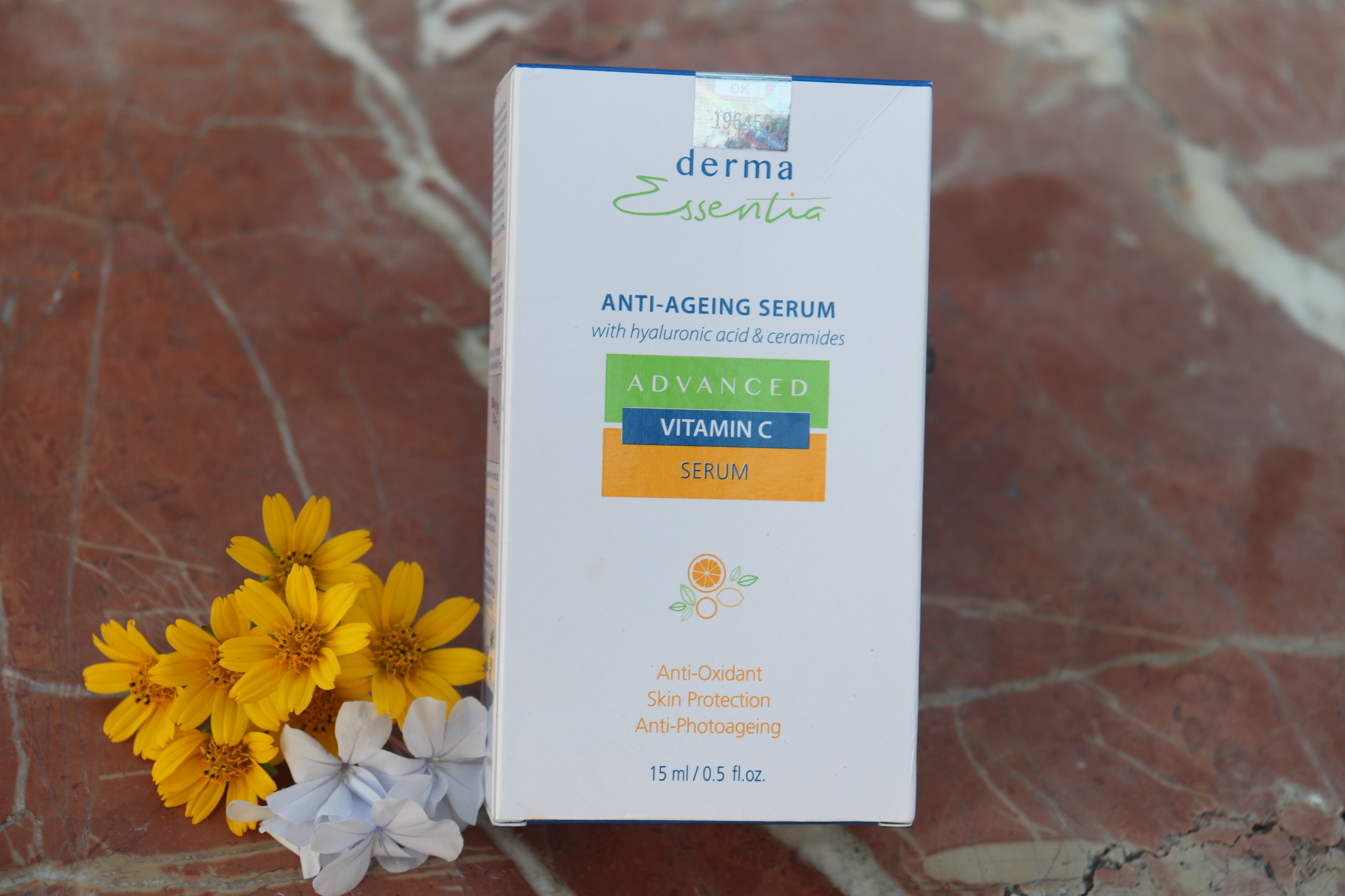 Derma Essentia Advanced Vitamin C Anti-Ageing Serum-Best facial serum with vitamin C, hyaluronic acid and ceramides-By niharikadubey-1
